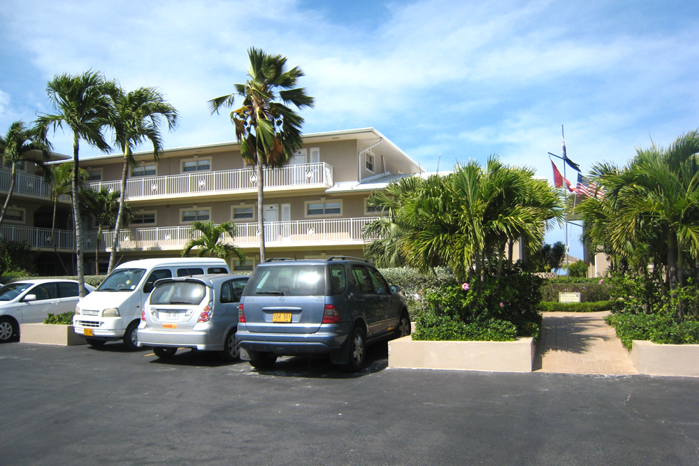 Christopher Columbus Condominiums Seven Mile Beach Grand