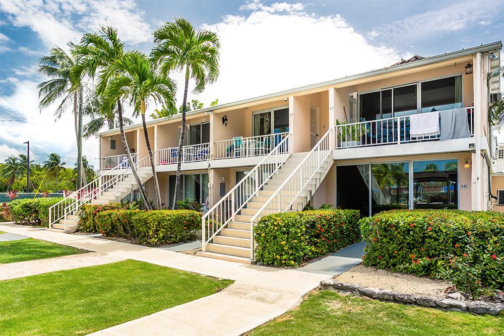 Island Pine Villas Condominiums Seven Mile Beach Grand Cayman